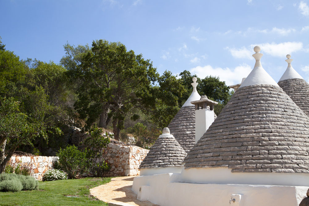 Trulli Borgo Canonica Giardini Puglia