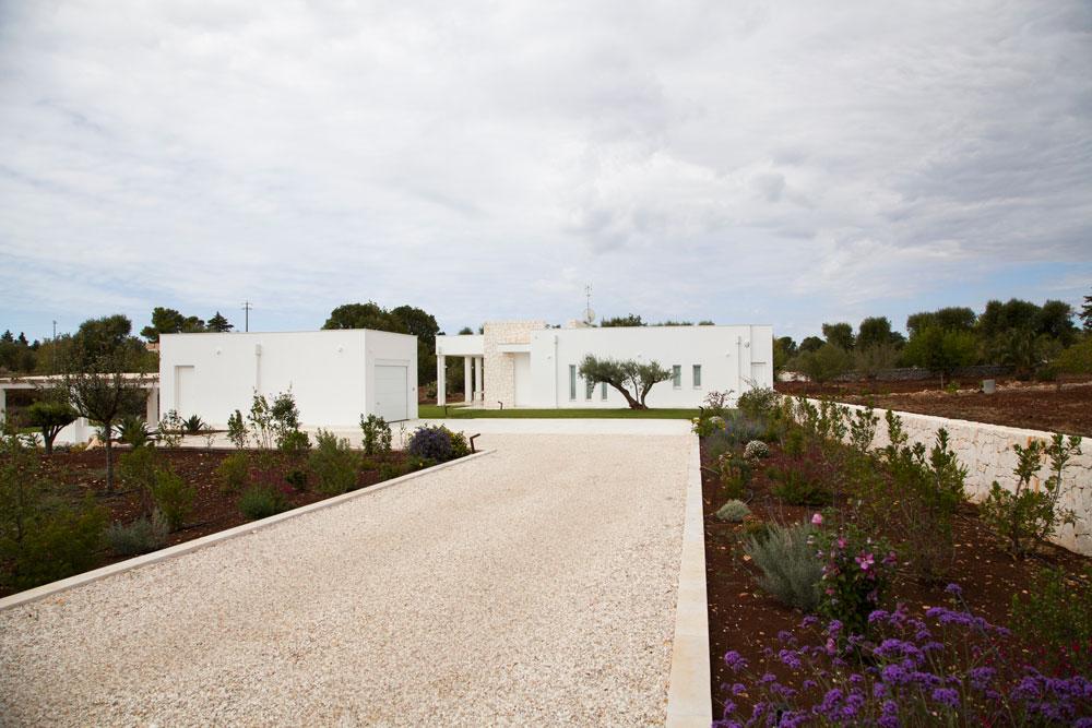 - Zizzi Garden Center