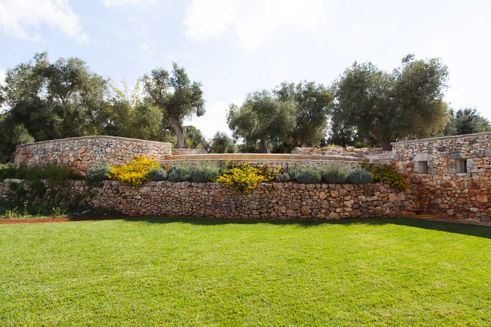Prato verde design Villa Ceglie Messapica #6