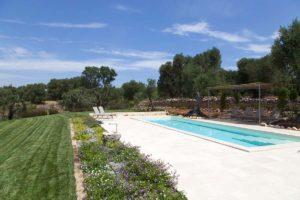 Giardino con piscina villa Ostuni Brindisi #8