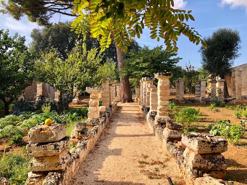 Giardino mediterraneo antica masseria Ostuni #9