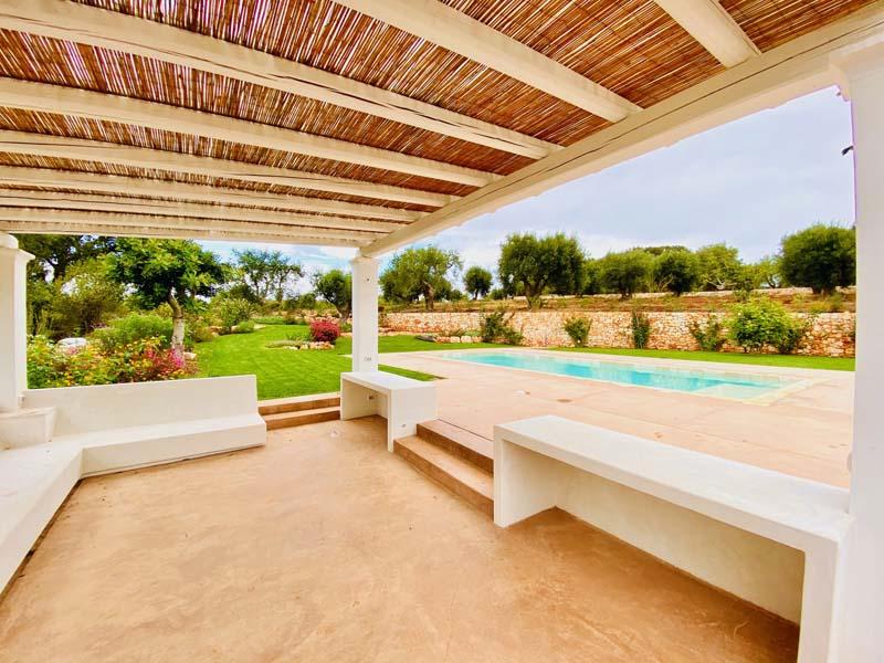 Giardino ulivi piscina Cisternino #10